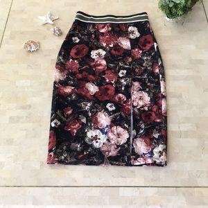 Floral High waisted pencil skirt high slit ❤️🌹🥀